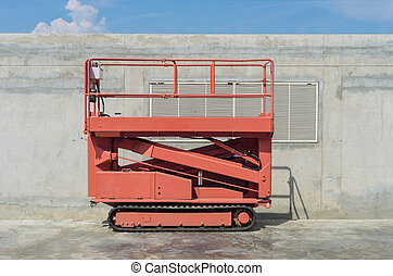 Lift. - Self propelled Scissor Lift with caterpillar wheel