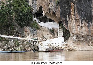 buddah cave