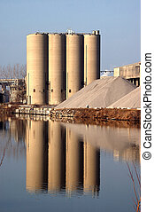 River Edge Cement Plant Silo