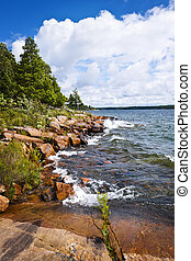 Rocky shore in Georgian Bay - Rocky lake shore of Georgian...