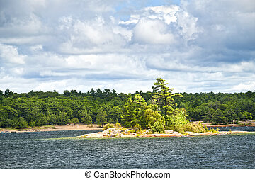 Island in Georgian Bay - Small island and beach in Killbear...