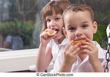 irmã, irmão, comer, maçã