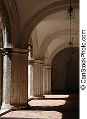 Old havana architecture - Detail of columns and arch in...