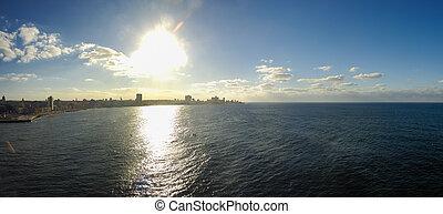 Havana skyline panorama - Panoramic view of Havana bay...