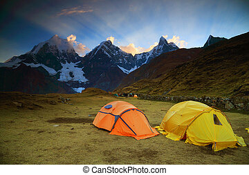 Camping in Cordiliera Huayhuash