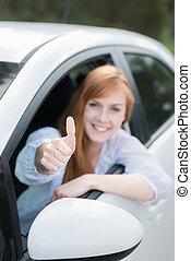 feliz, mujer, nuevo, coche, Dar, pulgares, Arriba