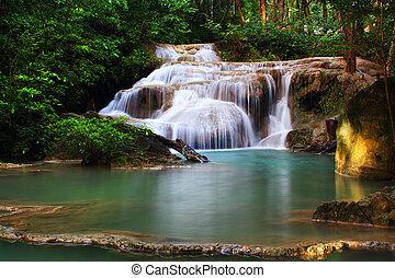 Erawan Waterfall, Kanchanaburi, Tha
