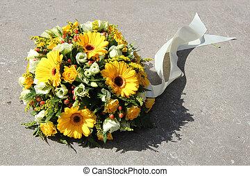 condolencia, flores, amarillo