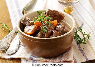 carne de vaca, Goulash, (stew)