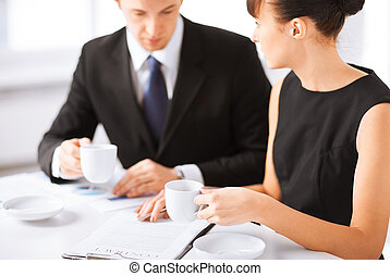 woman hand signing contract paper - picture of woman hand...