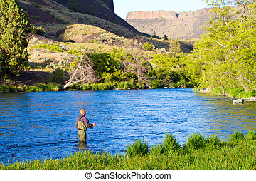 Fly Fishing Deschutes River - An experienced fly fisherman...