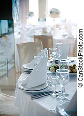 Place settings at wedding - Detailed place setting at...