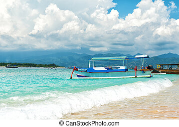 Tropical paradise island - Tropical paradise beach at Gili...
