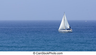 boat with white sails - sea ??boat with white sails