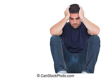 triste, homem, sentando, chão, enquanto, segurando,...