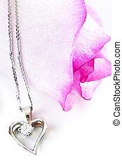 Diamond necklace on rose - Heart pendant with diamond with a...