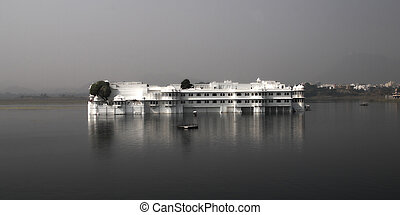 Lake Palace Udaipur Rajasthan - the Lake Palace in the...