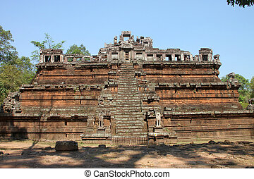 The palace of Phimeanakas in Angkor Thom, Siemreap, Khmer...