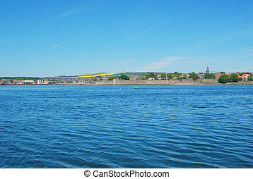 Berwick upon Tweed, river, churchtower and city walls -...
