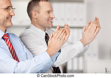 dos, empresa / negocio, gente, aplaudiendo