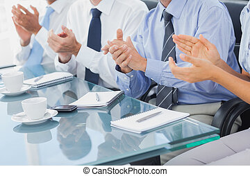 grupo, empresa / negocio, gente, aplaudiendo, sala juntas