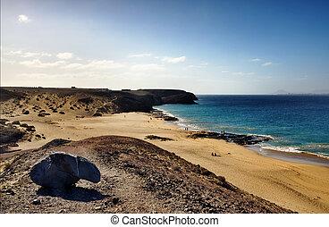 Papagayo beach - Scenic view of Papagayo beach on island of...