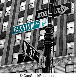 Fashion avenue - Green Fashion avenue board in New York