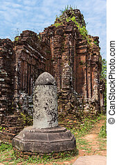 Linga at the My Son Cham towers - Vietnam, Linga at the My...