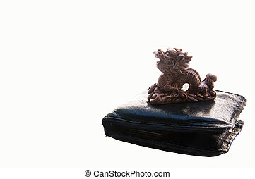 Dragon statue on Wallet