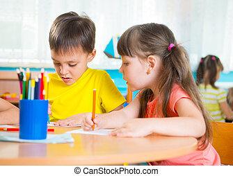 grupo, lindo, poco, preescolar, niños, dibujo