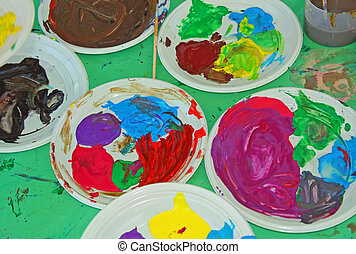 Acrylic color palettes to the nursery during the drawing...