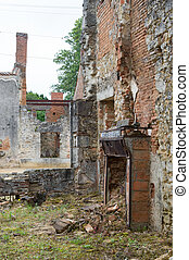 Broken huis in Oradour sur Glane - Broken house in destroyed...