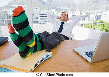 negócio, tendo, sesta, pés, seu, escrivaninha