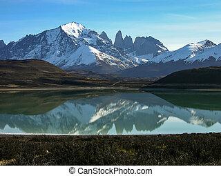 Lago Grey in Torres del Paine - Lago Grey in the Torres del...