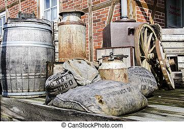 Old stuff from barn - Vintage - Nostalgia - Farm - Metal...