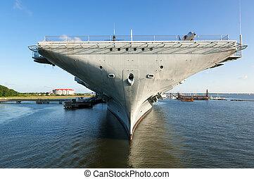 USS Yorktown - The World War II era aircraft carrier USS...