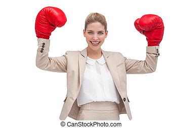 sonriente, mujer de negocios, boxeo, guantes