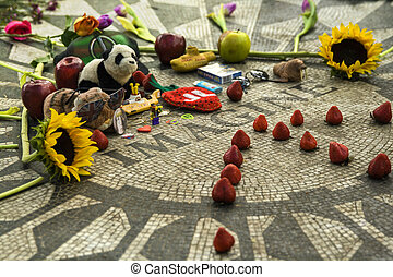 Strawberry Fields, John Lennon NY - John Lennon Memorial, in...