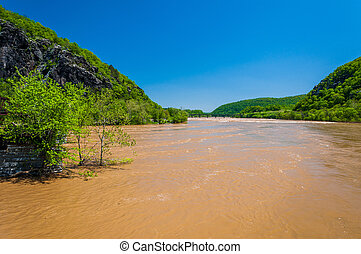 Spring flooding on the Potomac River in Harper's Ferry