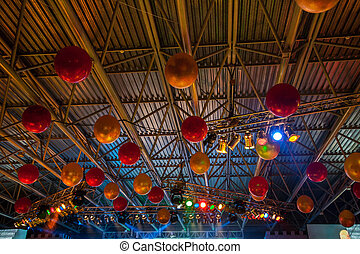 Ceiling decorated with balloons at the festival