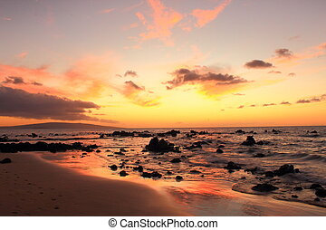 Sunset over the pacific - Sunset at Wailea, Maui, Hawaii
