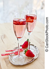 champagne, fragole