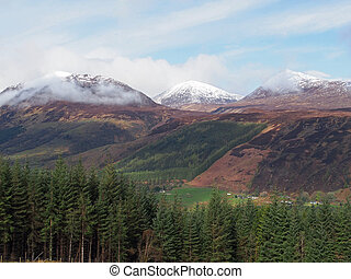 Scotland highlands in Spring Laggan area - Sean Mheall and...