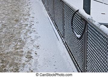 Stolen bike - bike lock on a fence but the bike is missing