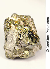 pyrite mineral similar to gold