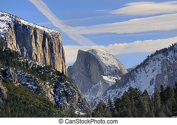 Sun rise on the granite peaks in Yosemite valley