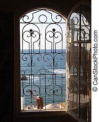 Gateway to the sea ocean view - the Mediterranean through an...