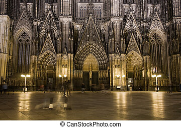 Dom in Cologne at night - Night lighting of main portal of...