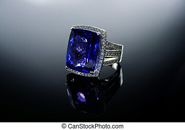 18 Ct WG Tanzanite Diamond Ring - 18 Ct 750 White Gold...