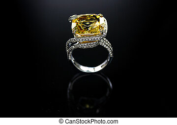 18 Ct WG Yellow Topaz Diamond Ring - 18 Ct (750) White Gold...